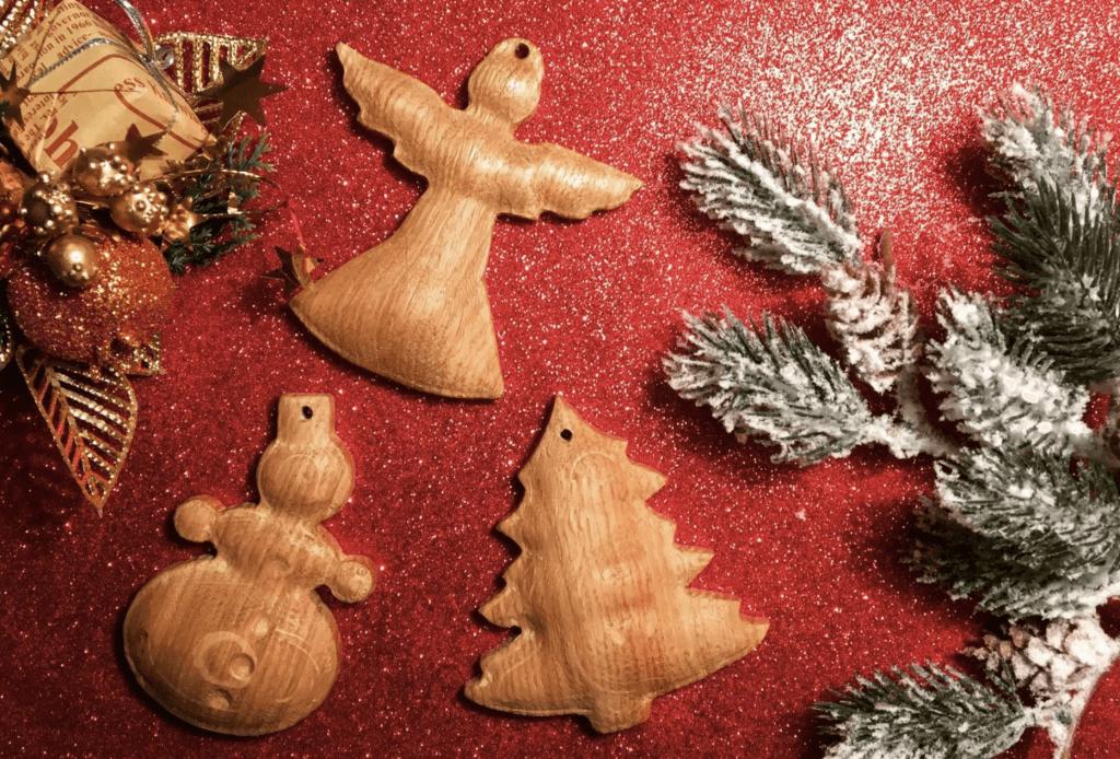 Деревянные новогодние игрушки для елки